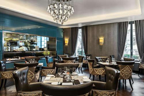 Brasserie_Salle-Buffet_Vue-cuisine©Reto-Güntli-LOW-copie